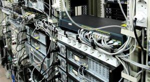 câbles électriques data center